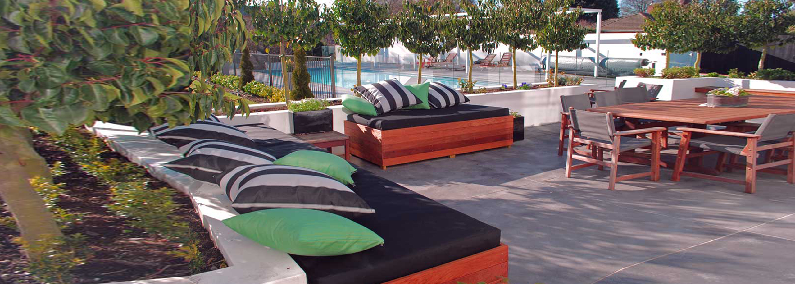 Kolorful Kanvas| We manufacture new squabs, outdoor cushions and
